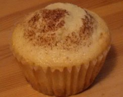 Pineapple Right-Side Up Cupcake